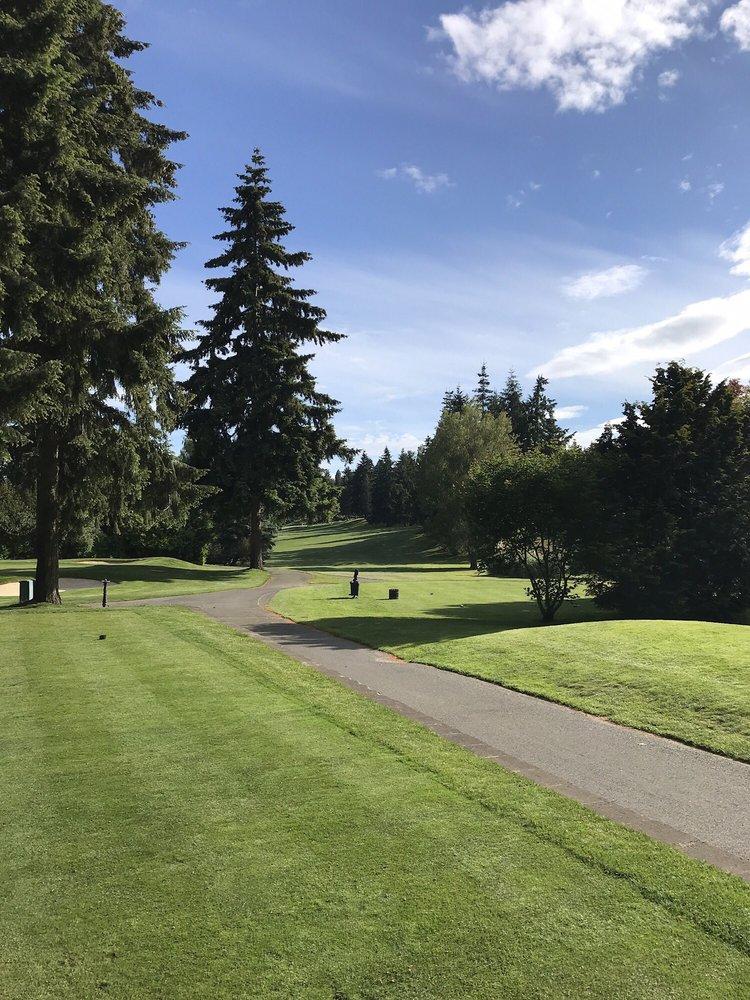 Rainier Golf & Country Club