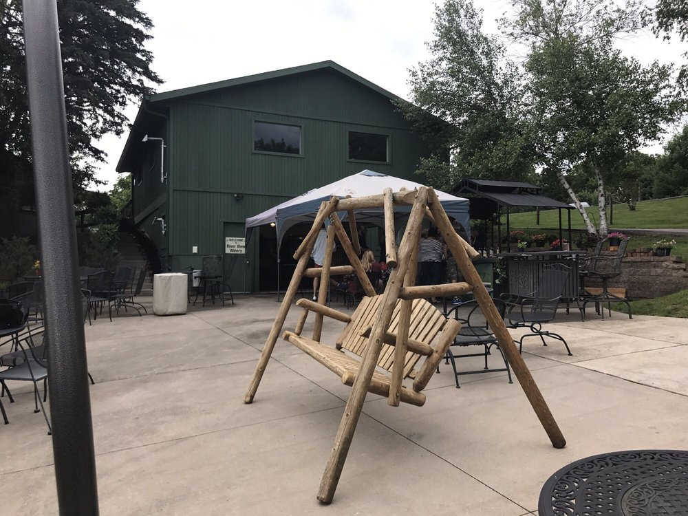 River View Vineyard and Winery: 32882 County Rd 1, La Crescent, MN