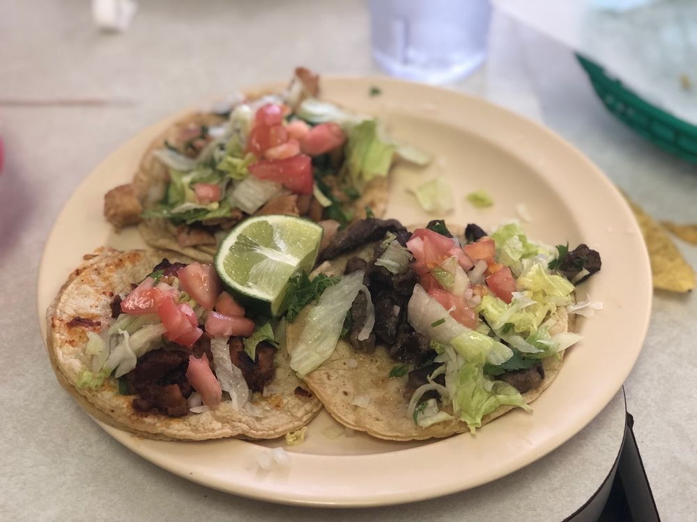 Food from Taqueria Chicago