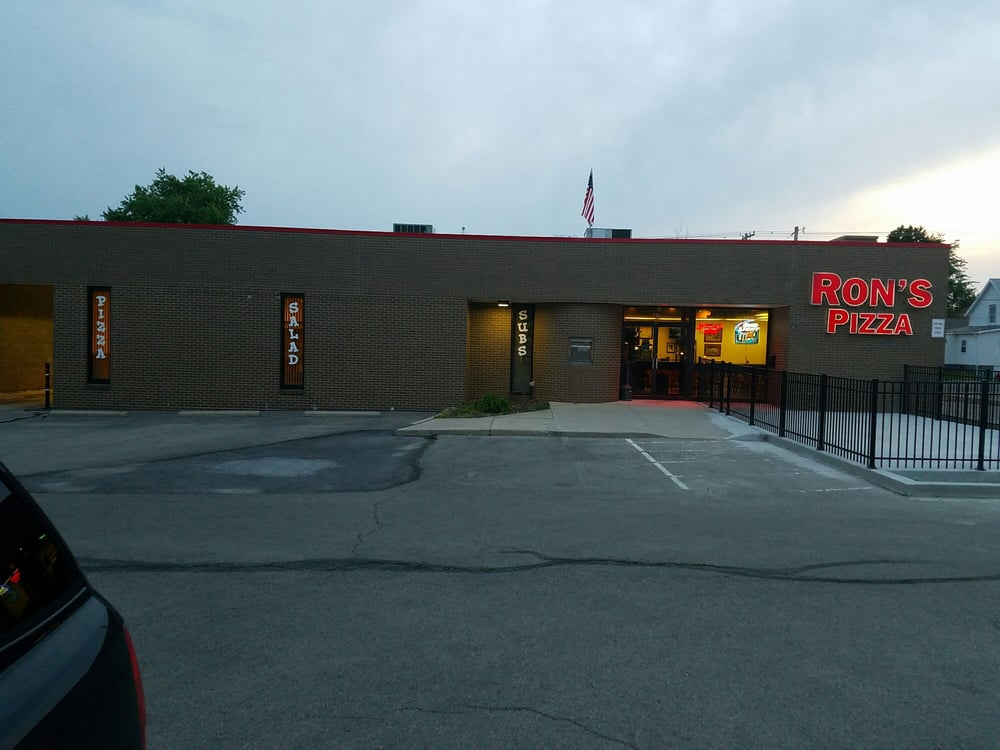 Ron's Pizza of Bellefontaine: 712 S Main St, Bellefontaine, OH