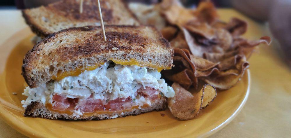Patti's Sunrise Cafe: 78 Burr Ridge Pkwy, Burr Ridge, IL