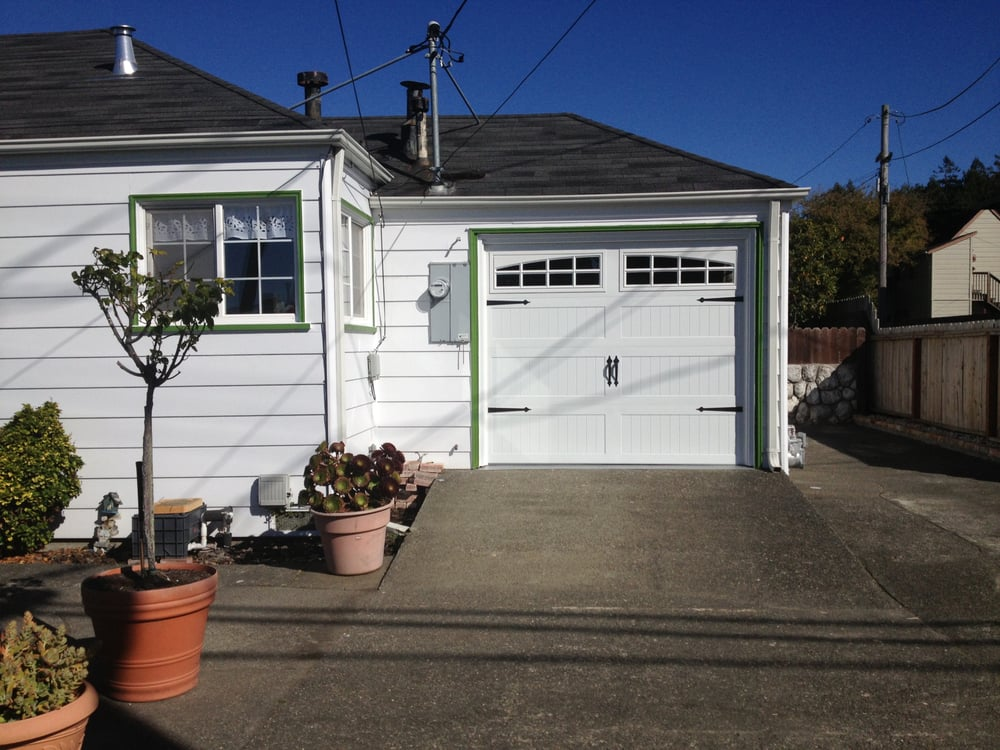 Sholes Overhead Door: 33 Chartin Rd, Blue Lake, CA