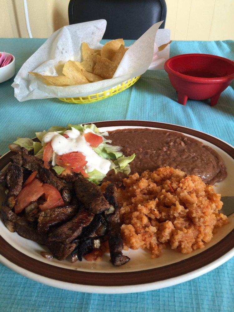 Gracia's Cafe: 402 W Washington Ave, Morton, TX
