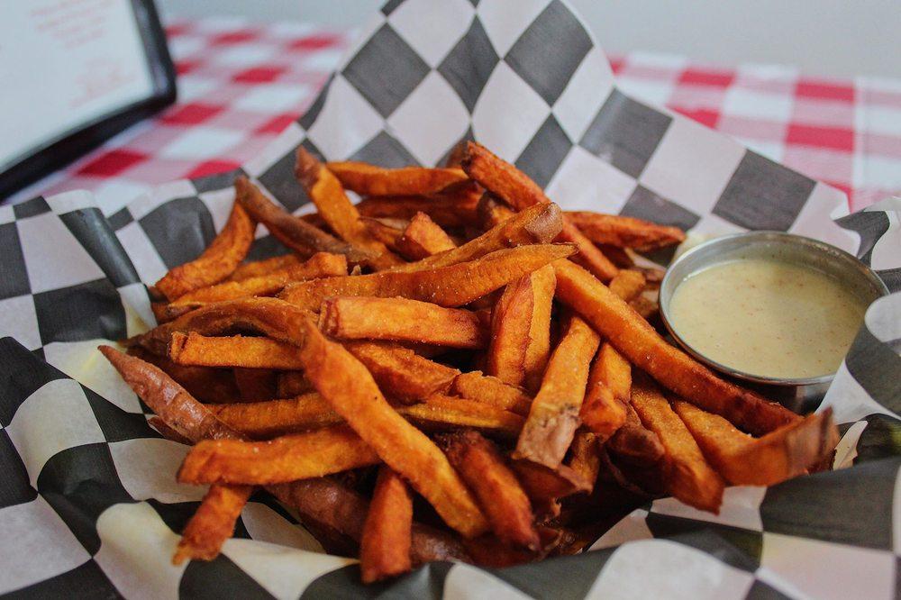 Elliot Street Fish, Chips, & More: 50 Elliot St, Brattleboro, VT