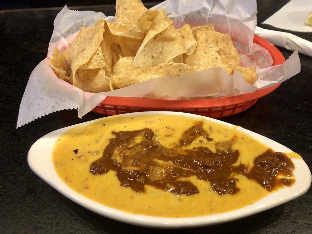 Fat Pat's Bar & Grill: 626 Verot School Rd, Lafayette, LA