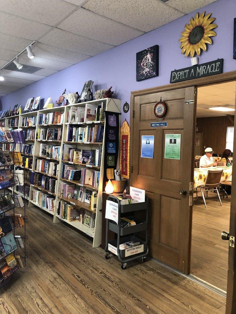 Cassadaga Bookstore: 1112 Stevens St, Cassadaga, FL
