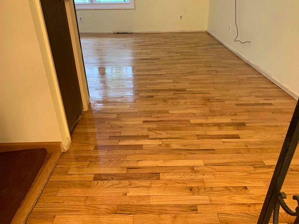 Platinum Hardwood Floors: Coloma, MI