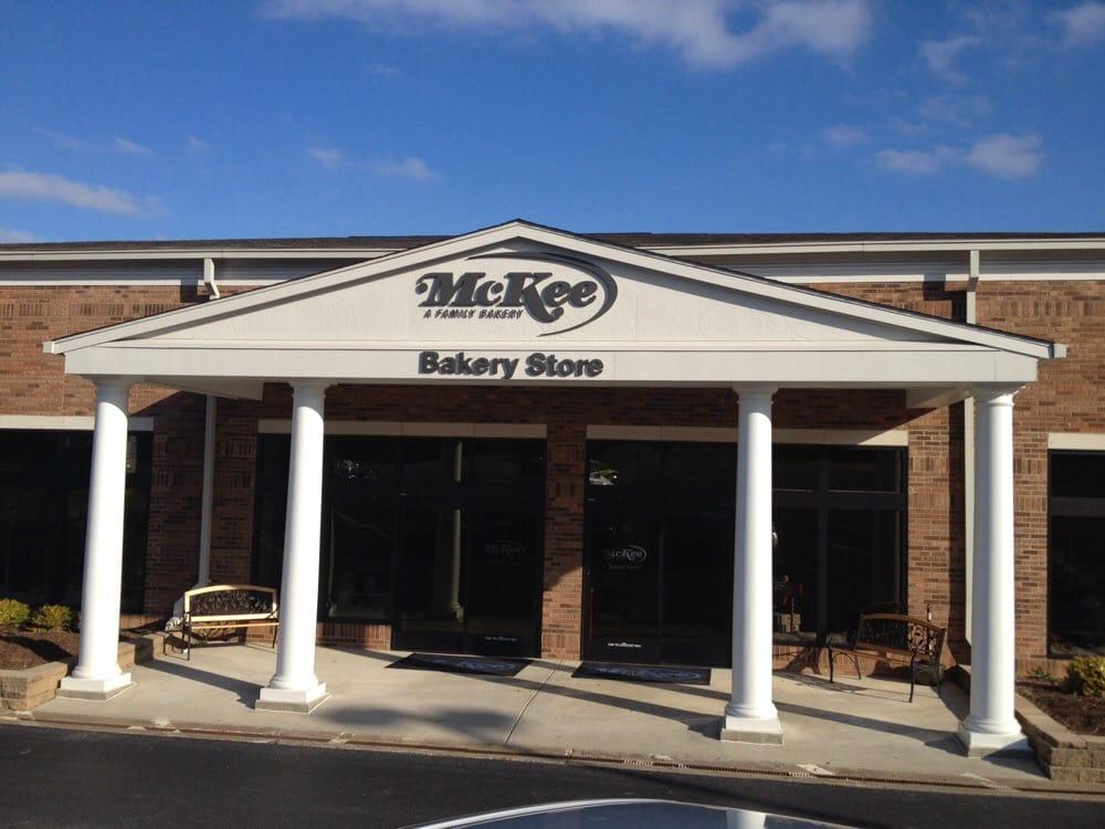McKee Bakery Store: 9950 Apison Pike, Ooltewah, TN