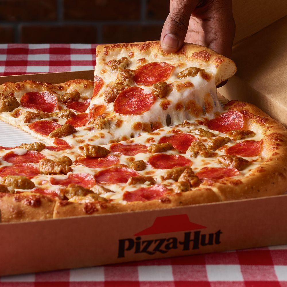 Pizza Hut: 1425 N Chadbourne St, San Angelo, TX