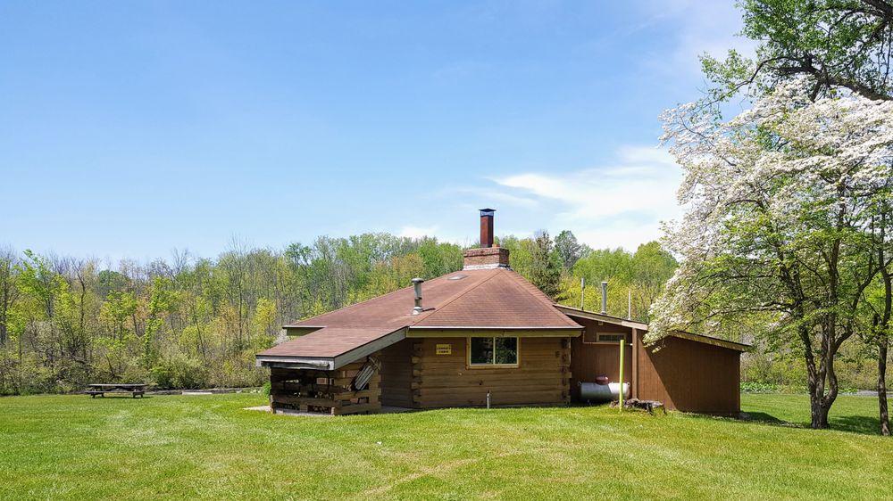 Ronora Lodge & Retreat Center: 9325 Dwight Boyer Rd, Watervliet, MI