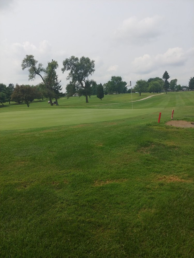 Cardinal Creek Golf Course: 615 Dixie Hwy, Beecher, IL