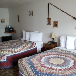 Photo Of The Grizzly Den Motel Anaconda Mt United States