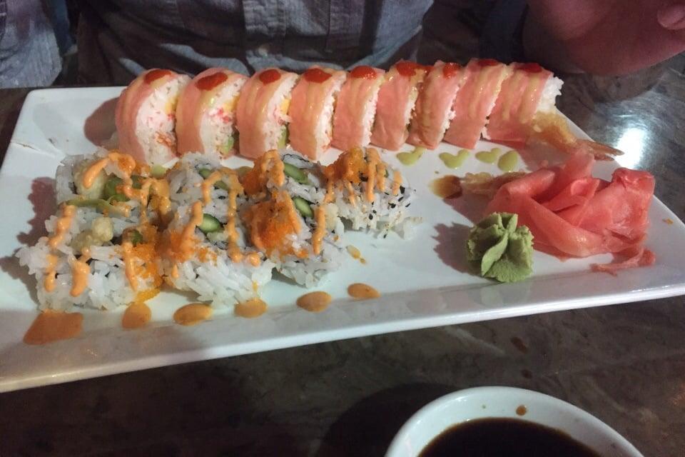 Starburst roll 9 spicy calamari roll 5 yelp for Drunken fish kc