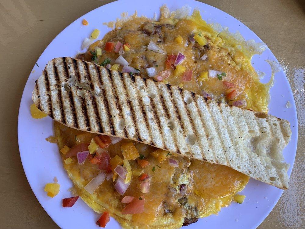 Cafe Shots Bistro: Carazo St 46, Guaynabo, PR