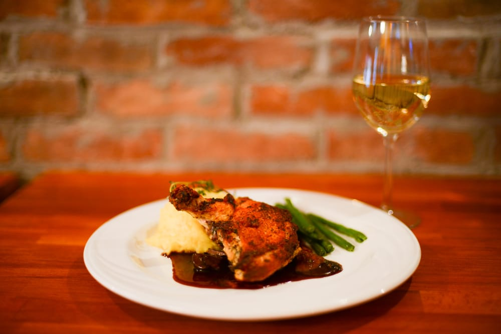 Mackie's Bar and Grill: 907 King St, Alexandria, VA