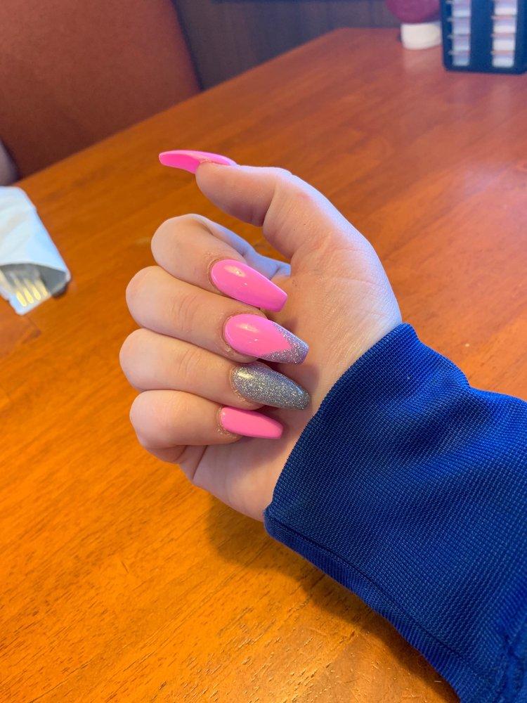 Angelina's Nails: 644 S Broadway St, Coal City, IL