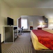 Double Photo Of Econo Lodge Inn Suites Diamondhead Ms United States