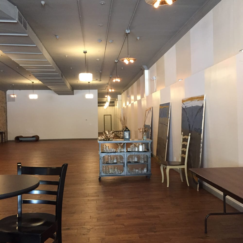 Free Furniture In Milwaukee: Venues & Event Spaces