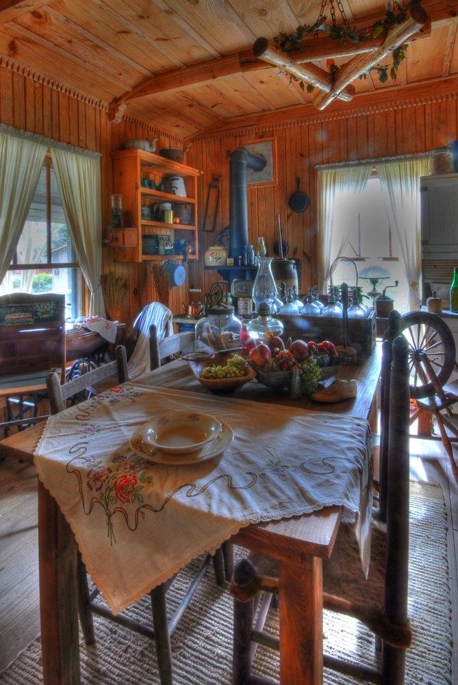 Landrum's Homestead & Village: 1356 Highway 15 S, Laurel, MS