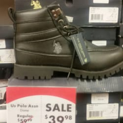 3ece08bfdfd Yelp Reviews for Shoe Carnival - (New) Accessories - 3497 E Broadway ...