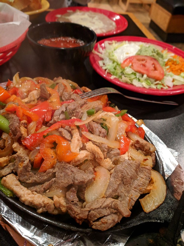 El Jalapeno: 5125 Youngstown Warren Rd, Niles, OH