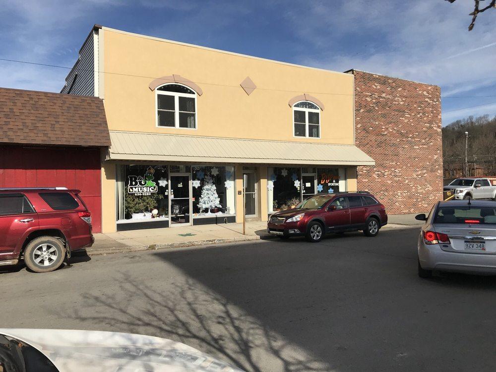 B & J Pawn and Sportshop: 313 3rd St, Elkins, WV