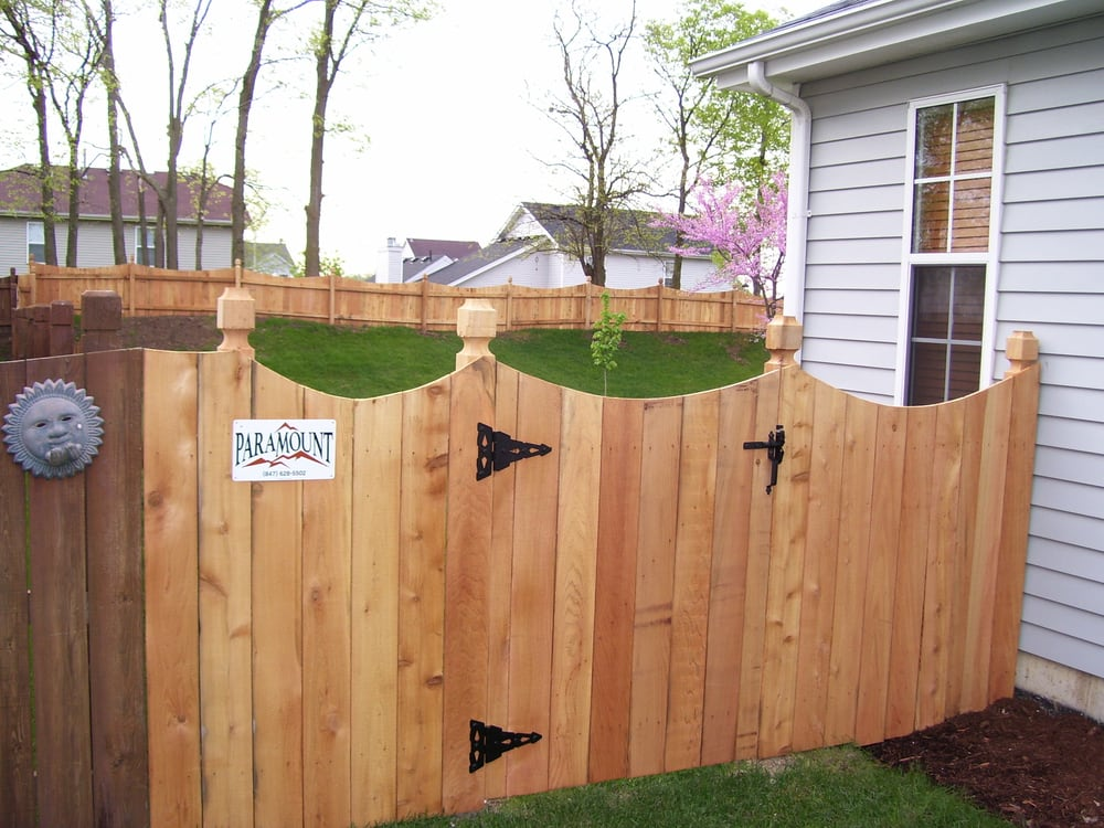 Western Red Cedar Solid Scalloped Wood Fence With Lantern