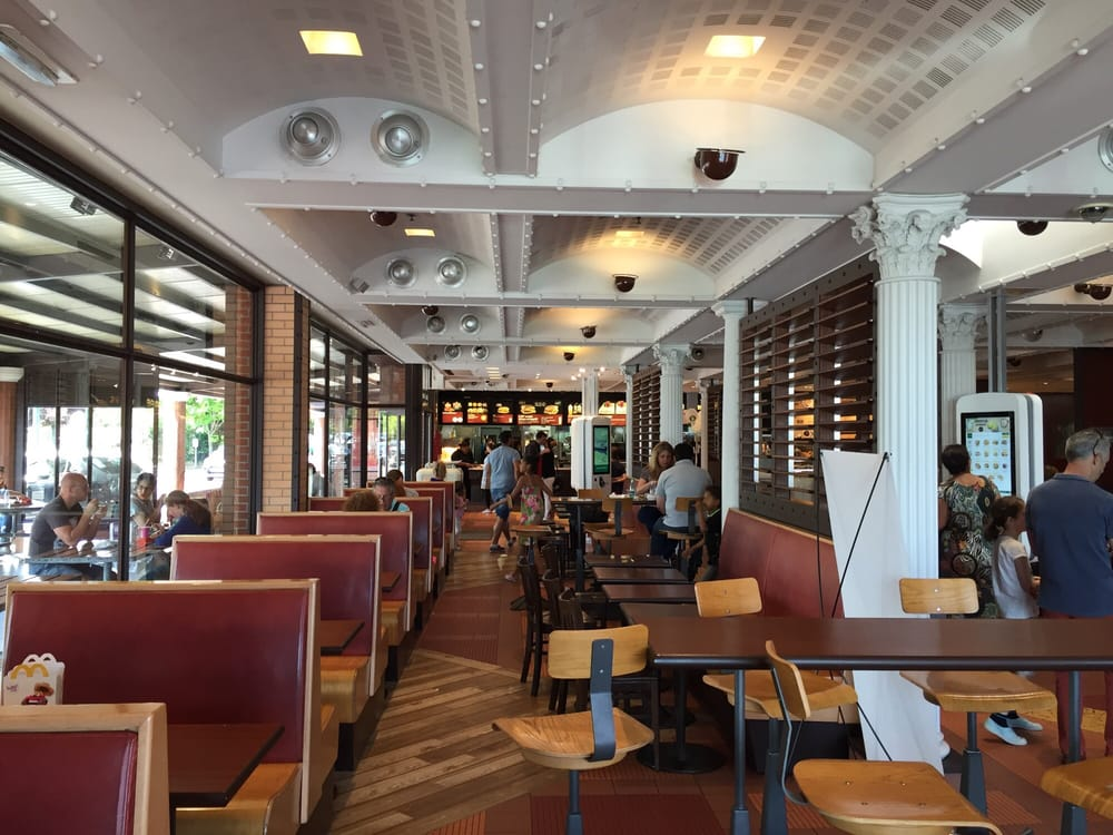 mcdonald s fast food centre commercial les portes de taverny taverny val d oise