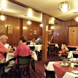 Photo Of Riccitello John Restaurant Schenectady Ny United States Brightly Lit Dining