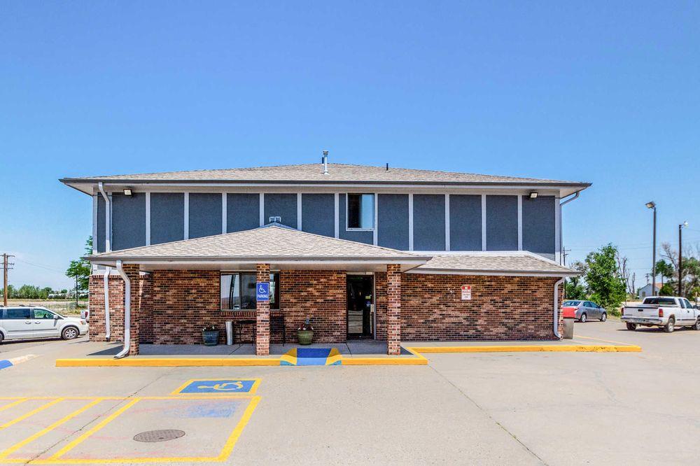 Rodeway Inn: 250 E Main St, Limon, CO