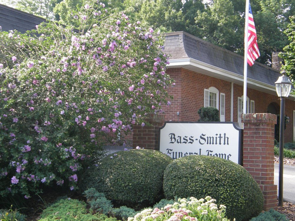 Bass-Smith Funeral Home: 334 2nd St NW, Hickory, NC