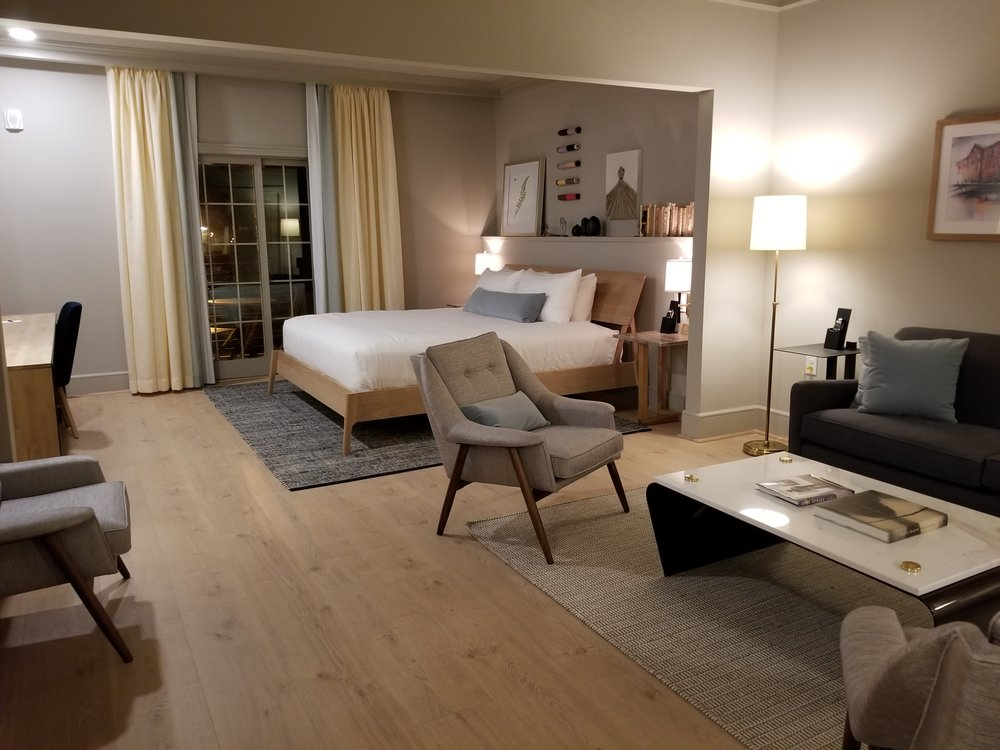 Hotel Weyanoke: 202 High St, Farmville, VA