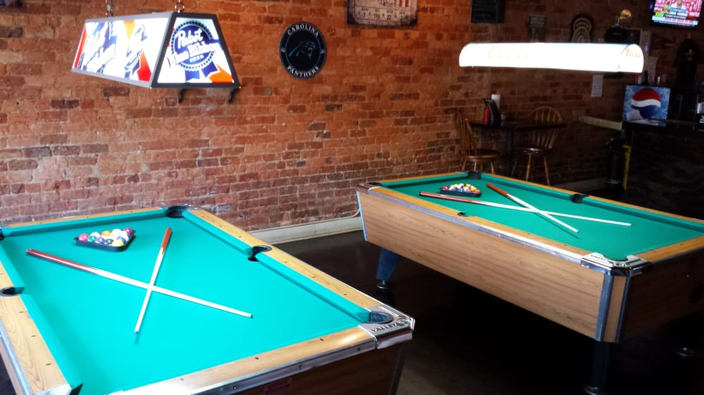 Pour Sports Pub & Grille: 302 Trade St, Greer, SC