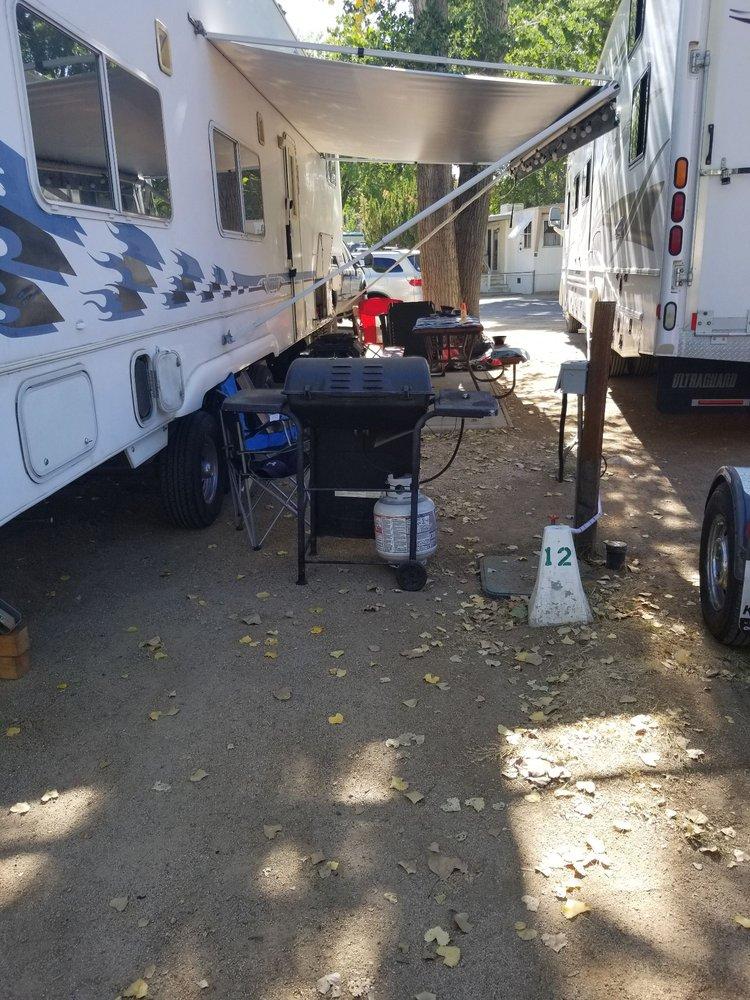 J Diamond Mobile Ranch: 771 N Main St, Bishop, CA