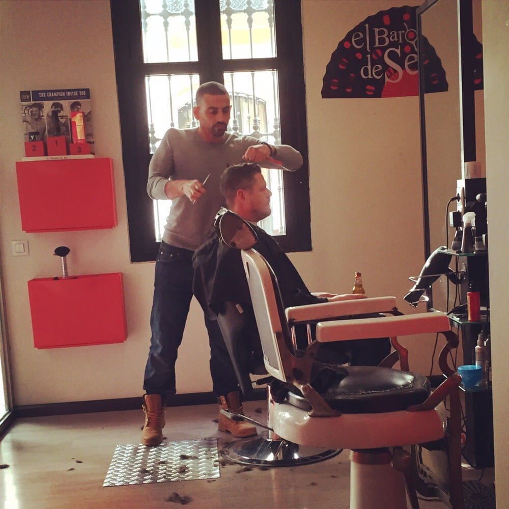 El barbero de sevilla 62 fotos peluquer as calle for Servicio tecnico jane sevilla calle feria