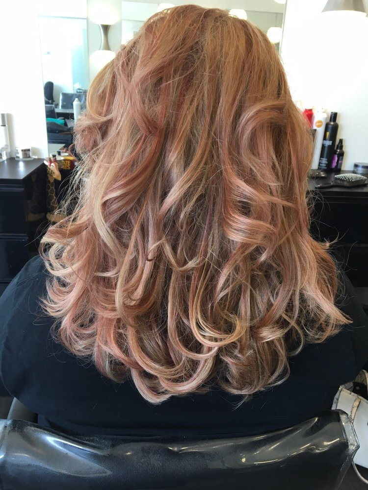 Cut Lightened Base Rose Gold Highlights And Blonde Highlights At