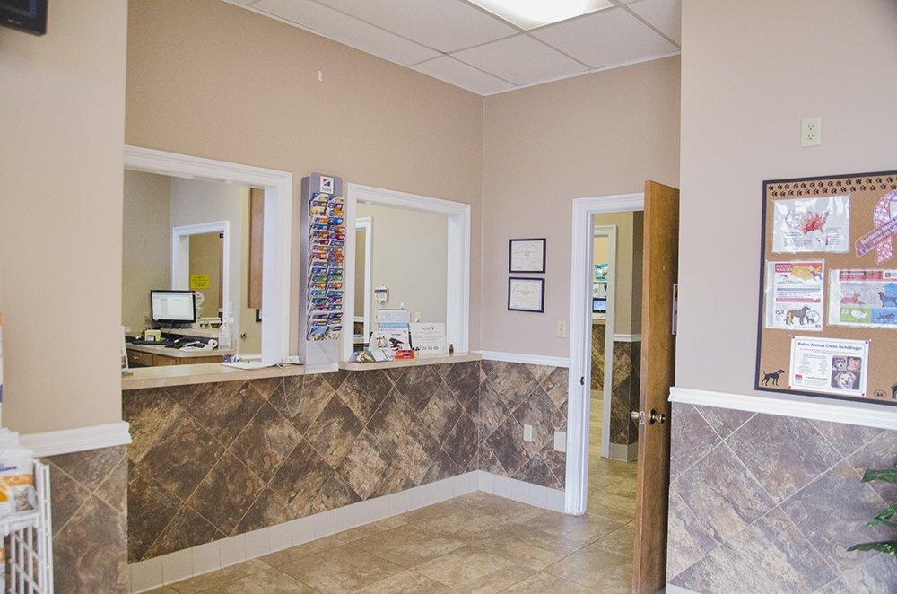 Rehm Animal Clinic: 75 Schillinger Rd N, Mobile, AL