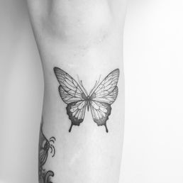 c7cd70f3f Luna Moth Tattoo Studio - 13 Photos - Tattoo - Koning Boudewijnlaan ...