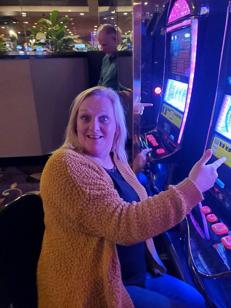 Silverstar Casino: 13550 Hwy 16 W, Philadelphia, MS