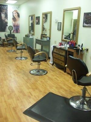 Sharpest edge hair salon 521 n main st hair salons for Edge hair salon