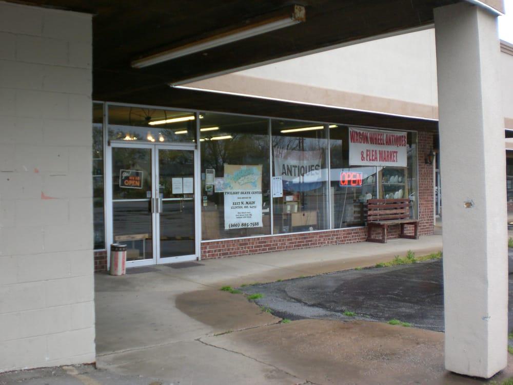 Wagon Wheel Antique Mall & Flea Market: 219 E Douglas St, Clinton, MO
