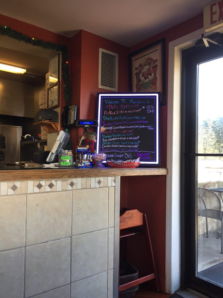 Marchiano Pizza: 2 S Railroad St, New Ringgold, PA