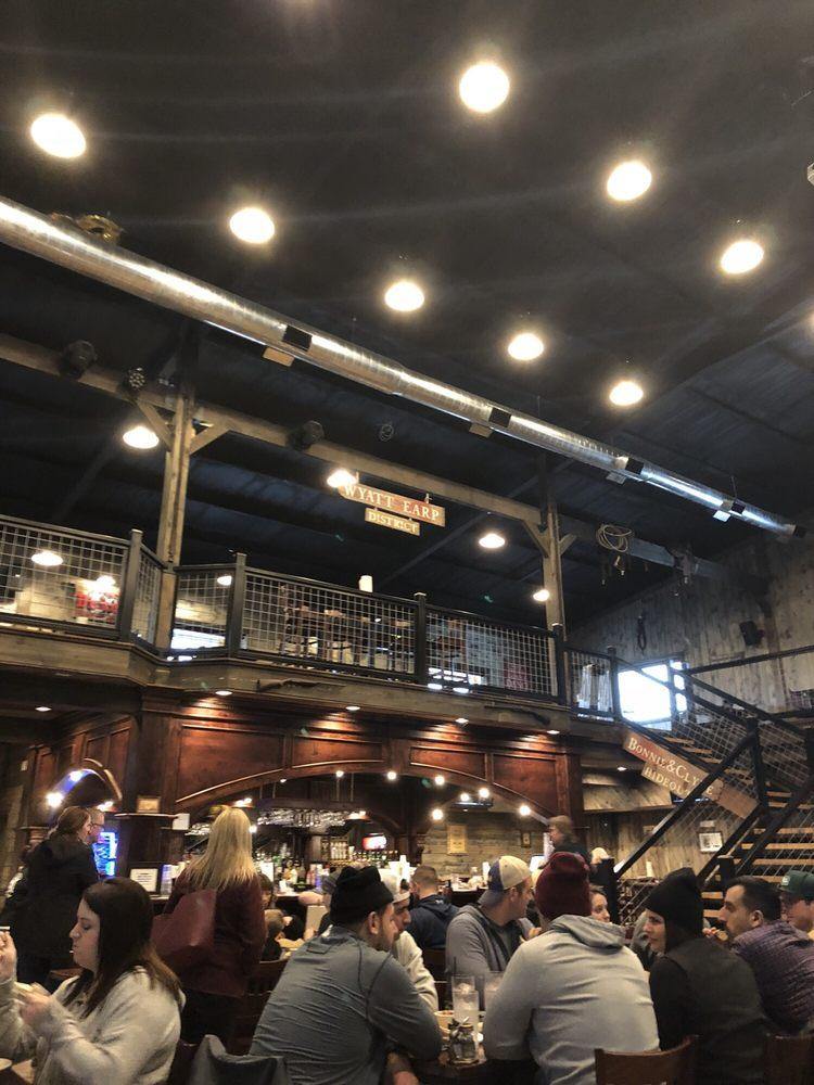 Hochatown saloon