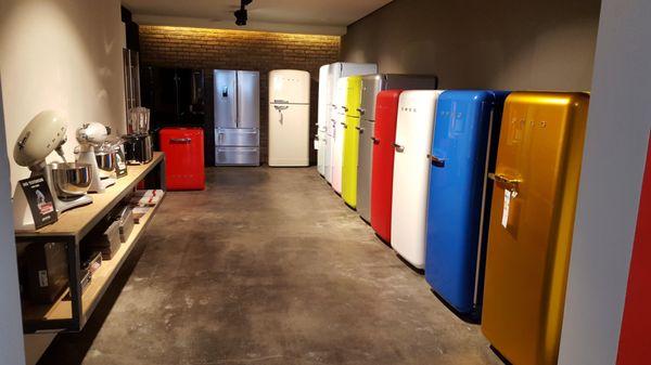 Smeg Kühlschrank Outlet : Smeg store haushaltsgeräte cassellastr fechenheim