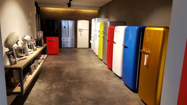 Smeg Kühlschrank Victoria : Smeg store haushaltsgeräte cassellastr. 30 32 fechenheim