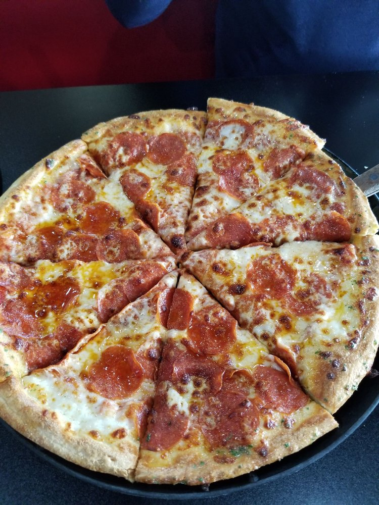 Simple Simon's Pizza: 1650 W Dewitt Henry Dr, Beebe, AR