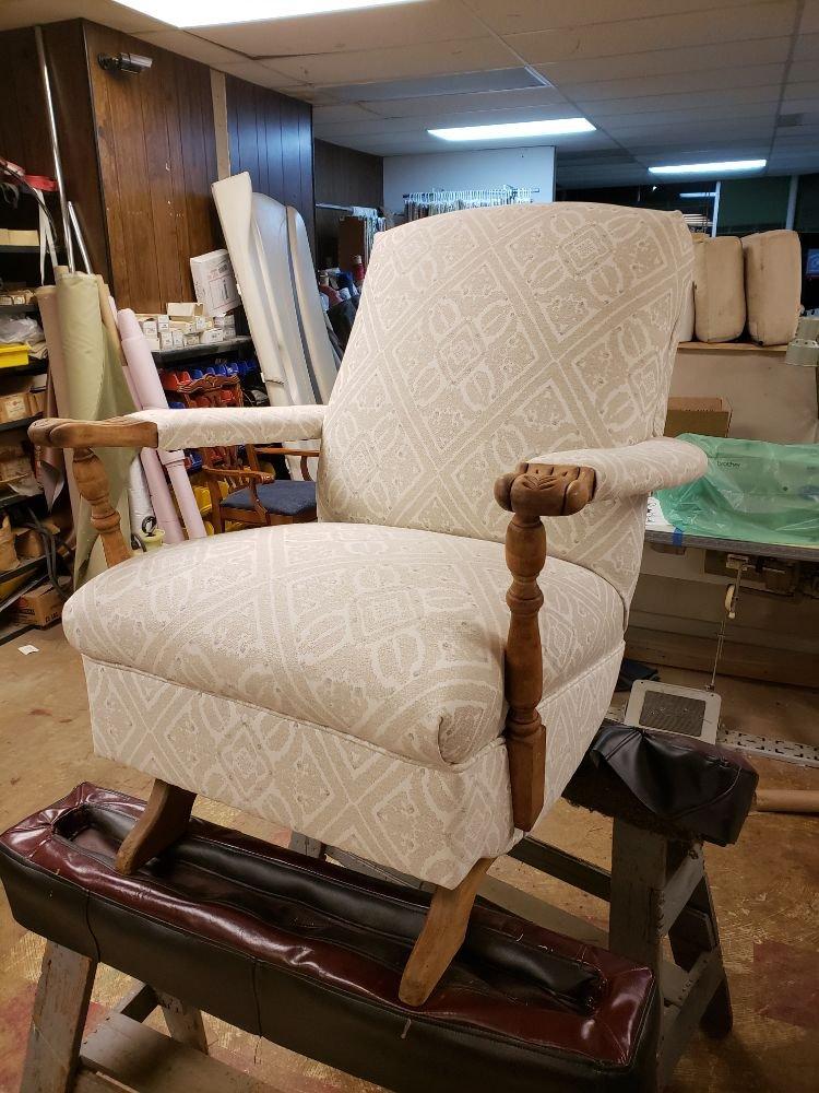 The Furniture Specialist: 1987 Stillwater Ave E, Saint Paul, MN