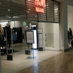 97bc3652fe185 H   M - 11 Photos   55 Reviews - Men s Clothing - 3030 Plaza Bonita ...