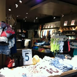 3b735f1891 Pull   Bear - Men s Clothing - C. C. Arena Multiespacio