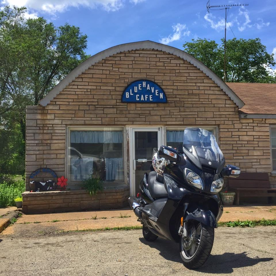 Blue Haven Cafe: 105 S Oak St, Irondale, MO